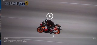 HEART POUNDING High Speed Motorcycle Chase Breaks Wrist or Arm Punching Car Mirrors