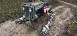 Canadian Turned His Lawn Tractor Into This Screw-Propelled Death Machine