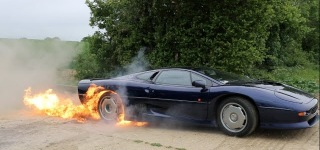 Flaming V6 Jaguar XJ220 Burnout