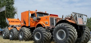 "The World's Most Outstanding Trucks ""EXTRA EXTREME"""