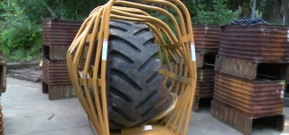 The Great Explosion With The Biggest Single-Piece Tire Inflation Cage