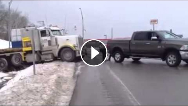 Awesome Truck Rescue Semi Truck Rescued By Powerful