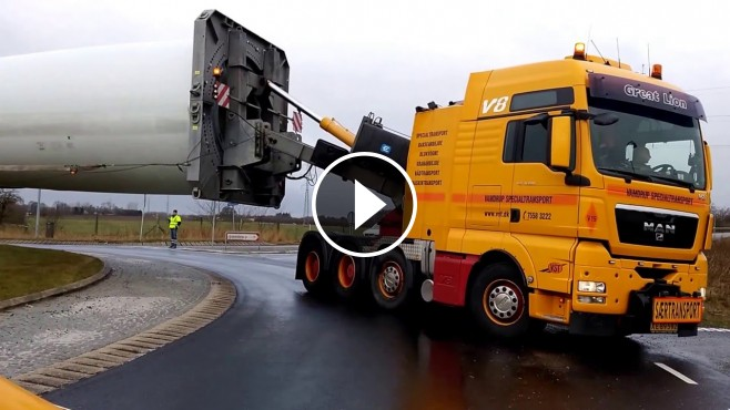 Transporting A Giant Blade Through A Roundabout Like A Boss
