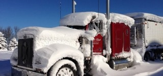 Peterbilt 379 Cold Start in the Snow Storm!
