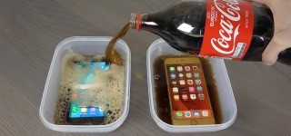 Samsung Galaxy S7 Edge vs. iPhone 6S Plus Coca-Cola Freeze Test!