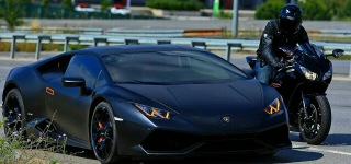 Lamborghini Huracan Does BATTLE With Honda CBR1000RR!!!!