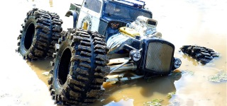 Traxxas Summit Rat Rod gets Muddy!