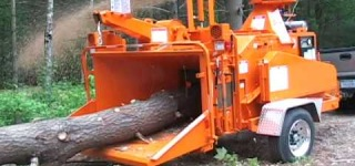 The 1590XP: Bandit's Most Popular Hydraulic Feed Drum Style Chipper