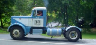 Hear the Insanely Loud Scream of Classic 1965 Peterbilt Detroit