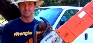 Creatively Practical Method: Charger Your Dead Car Battery with Chainsaw!