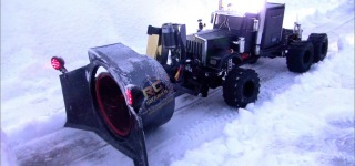 Winter Time Fun: Ingeniously Built Super Cool R/C Rotary Snow Plough