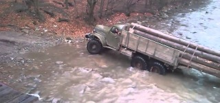 Extra Extreme Log Transporting of Russian Truck Drivers with ZIL 157