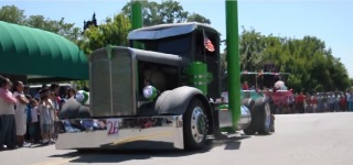Fantastically Built Kenworth Semi Diesel Truck Shows Off Its Badass Airbags and Hydraulics