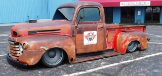 A Super Impressive 1949 Ford F1 Hot Rod Pickup Looks Fascinating with Its Dirty Rusty Exterior