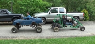 War of Go Karts: Lifted Blue Go Kart Vs Off Road Green Go Kart