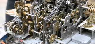 Mind-Blowingly Complex Machine with 764 Gears Does Absolutely Nothing-Must See!!!