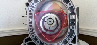 Watch and Learn: Brilliant Guy Kurt Robertson Explains the Way Rotary Engine Works Very Clearly