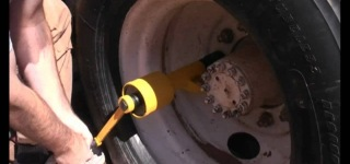 Torque Multiplier Lug Nut Wrench Is the Best Solution to Remove Rusted and Overtightened Lug Nuts