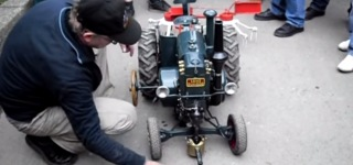 Legendary Germany-Made Tractor Lanz Bulldog Small Scaled Model Drives Super Functionally