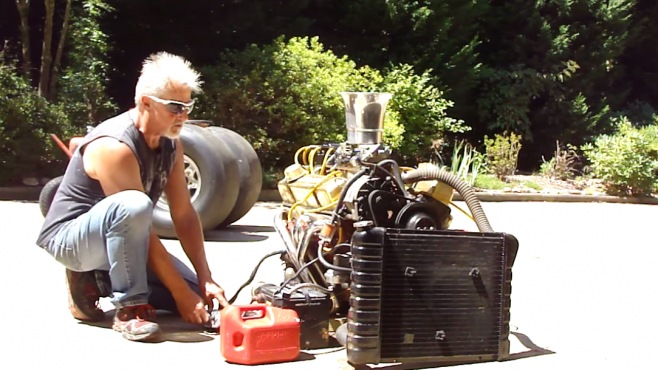 insanely cool  small block chevy engine runs   ground   boss