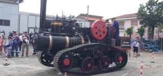 Crawler Steam Tractor is Recreated Based on Original Hornsby Mammoth!