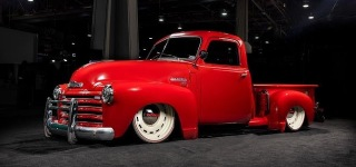 This Is How to Build 1949 Slammed Patina Bagged Chevrolet Pickup Time-Lapse