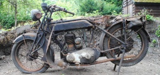 The First Attempt to Restart Vintage Sunbeam Model 7 Motorcycle After 40 Years