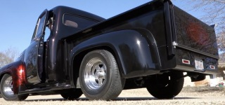 Strikingly Cool 1955 Ford F-100 With an Ultra Realistic Paintjob