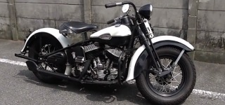 1940 Harley Davidson ULH Flathead Is Super Charismatic in Black and White