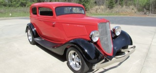 "A Thorough Review of ""Vickie"" 1933 Ford Victoria Custom Street Rod"