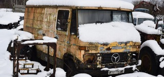 Germans Do It Better: Mercedes-Benz 407D Cold Started For the First Time After 12 Years Runs Perfectly