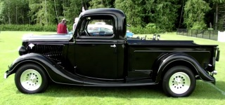 1935 Ford Pickup Truck Performs Itself at Shawnigan Lake Show & Shine Car Event