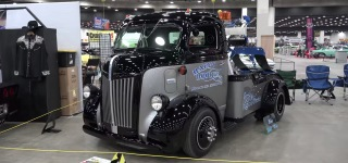 Absolutely Gorgeous 1947 Ford COE Tow Truck Is Created to Please the Eyes with Its Every Single Detail