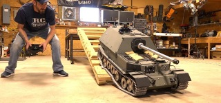 "RC ""Giant Tank Destroyer"" Works for the Very First Time"