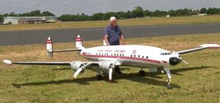 1:6 Scale Gigantic RC Lockheed Super Constellation TWA Conquers the Sky!