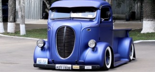 1938 Ford COE Truck Driven by a Pretty Lady Has a Killer Charisma